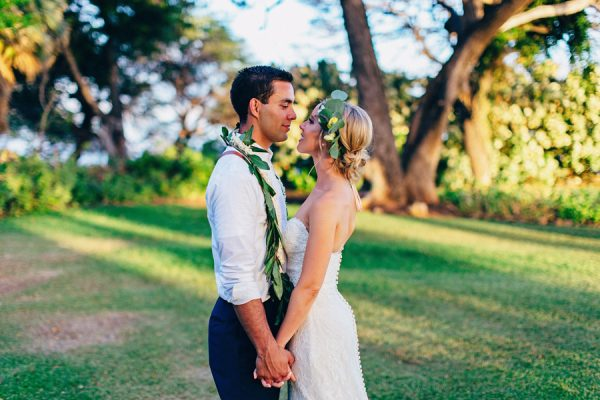 this-olowalu-plantation-house-wedding-marries-hawaiian-tradition-and-new-england-charm-39