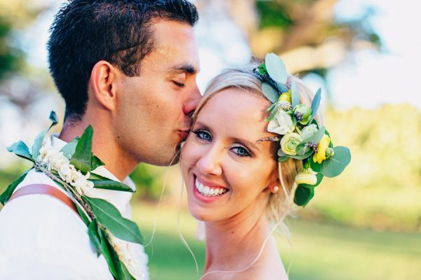 this-olowalu-plantation-house-wedding-marries-hawaiian-tradition-and-new-england-charm-40
