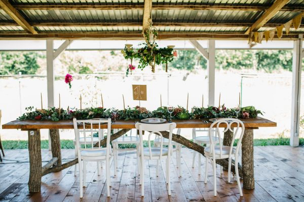 this-romanian-wedding-has-all-the-autumn-decor-inspiration-you-need-10