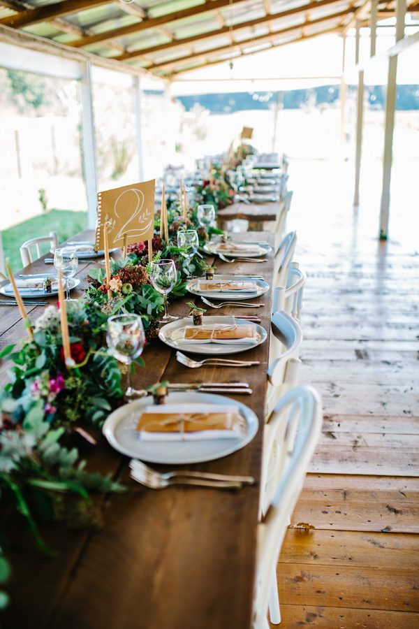 this-romanian-wedding-has-all-the-autumn-decor-inspiration-you-need-11
