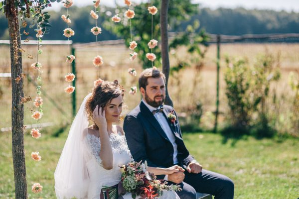 this-romanian-wedding-has-all-the-autumn-decor-inspiration-you-need-20