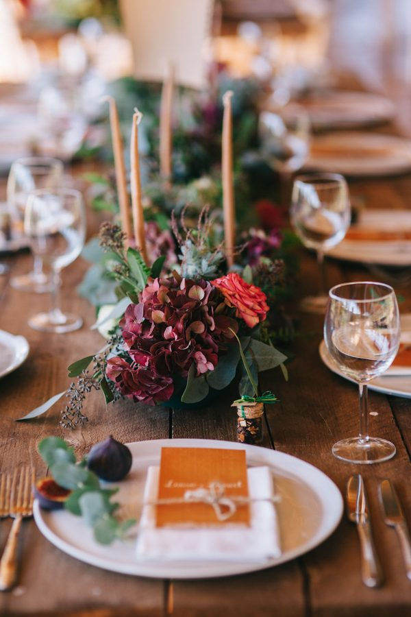 this-romanian-wedding-has-all-the-autumn-decor-inspiration-you-need-22
