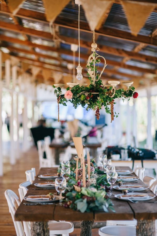this-romanian-wedding-has-all-the-autumn-decor-inspiration-you-need-23