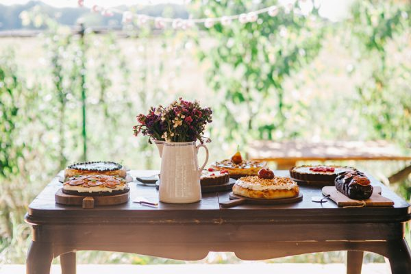 this-romanian-wedding-has-all-the-autumn-decor-inspiration-you-need-26