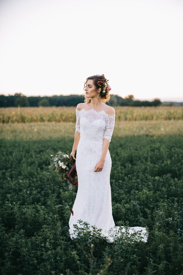 this-romanian-wedding-has-all-the-autumn-decor-inspiration-you-need-37