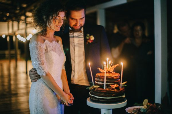 this-romanian-wedding-has-all-the-autumn-decor-inspiration-you-need-47
