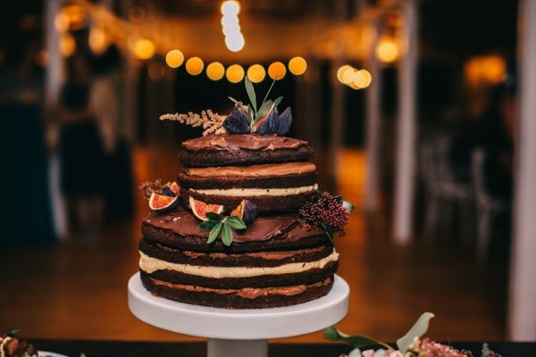 this-romanian-wedding-has-all-the-autumn-decor-inspiration-you-need-48