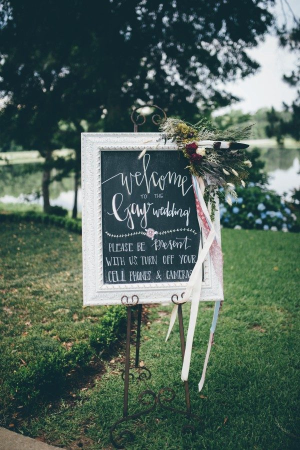 this-wedding-at-the-venue-at-tryphenas-garden-makes-antique-details-feel-totally-new-31-600x900