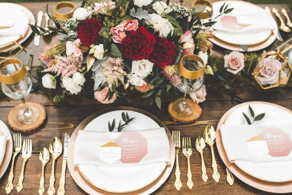 this-wedding-inspiration-proves-that-gold-blush-and-red-is-the-most-romantic-color-palette-12