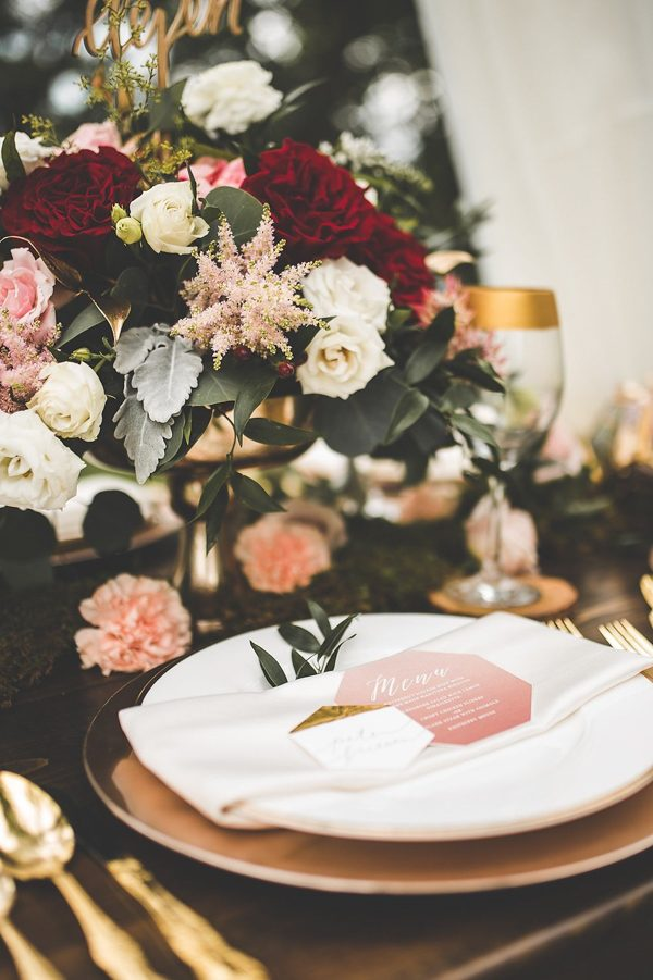 this-wedding-inspiration-proves-that-gold-blush-and-red-is-the-most-romantic-color-palette-13