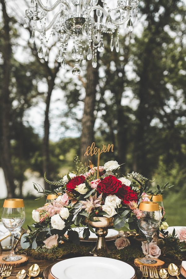 this-wedding-inspiration-proves-that-gold-blush-and-red-is-the-most-romantic-color-palette-5