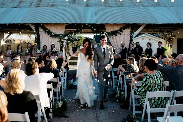vintage-rustic-phoenix-wedding-at-agritopia-23