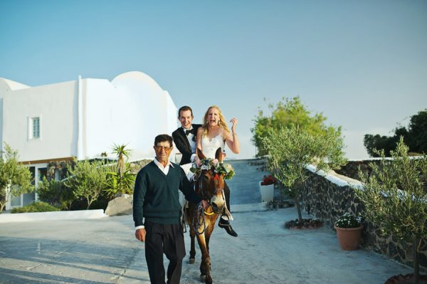 we-love-the-reason-why-this-couple-chose-santorini-for-their-destination-wedding-46