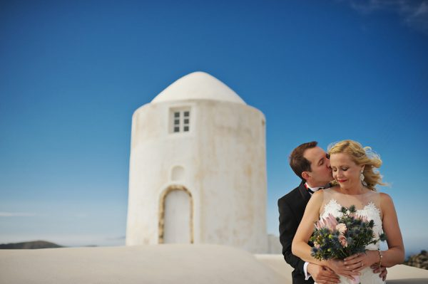 we-love-the-reason-why-this-couple-chose-santorini-for-their-destination-wedding-5