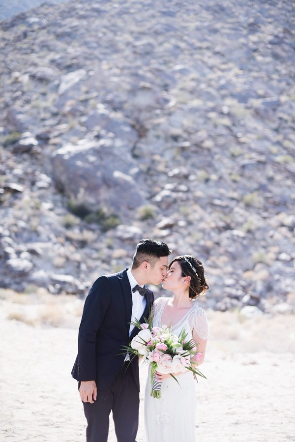 whimsical-black-white-palm-springs-wedding-avalon-hotel-36