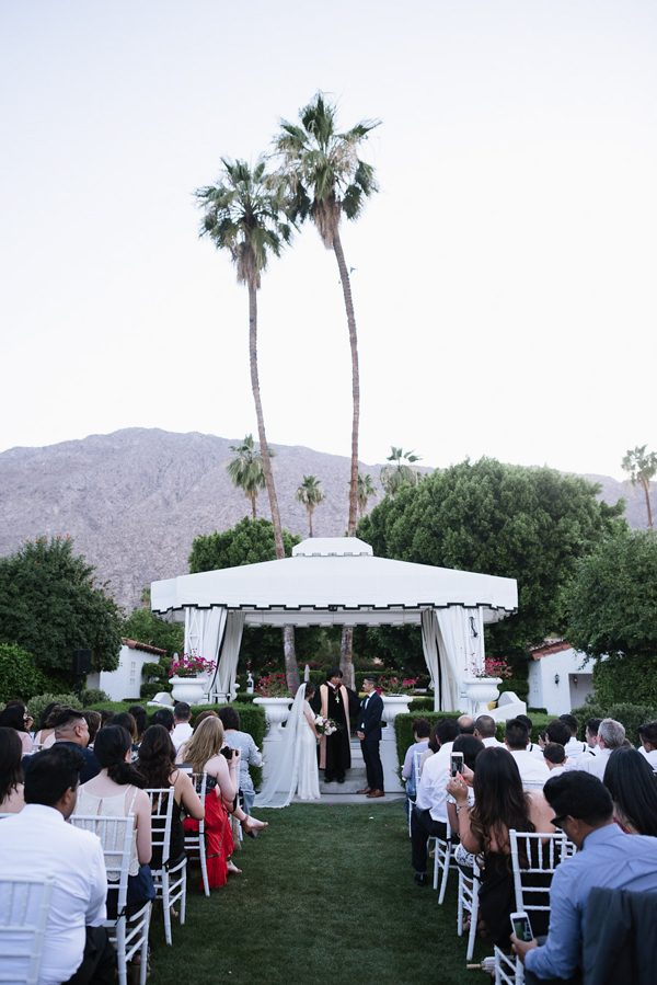 whimsical-black-white-palm-springs-wedding-avalon-hotel-44