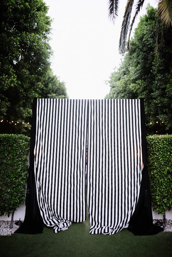 whimsical-black-white-palm-springs-wedding-avalon-hotel-58