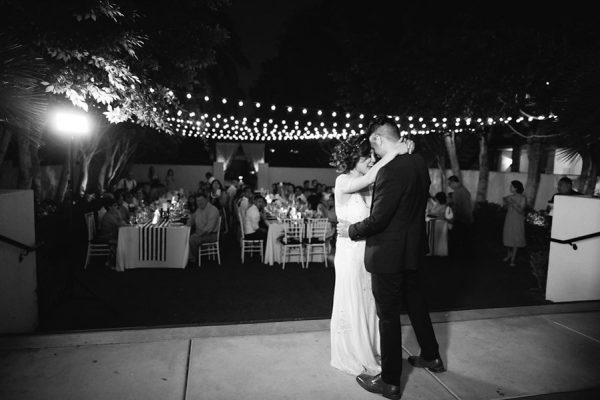 whimsical-black-white-palm-springs-wedding-avalon-hotel-8