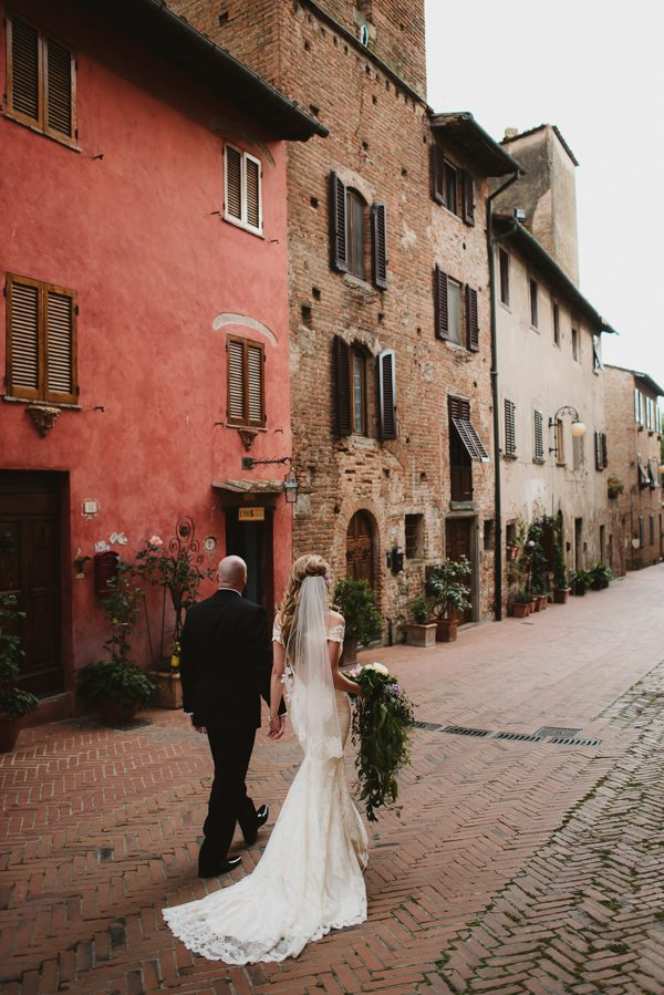 your-jaw-is-going-to-drop-when-you-see-this-gorgeous-tuscan-elopement-33