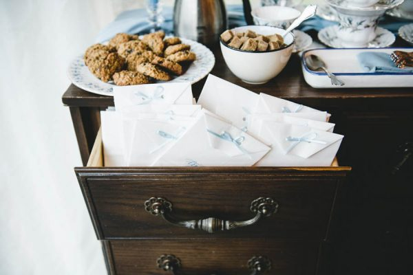 cozy-diy-british-columbia-wedding-in-shades-of-blue-bake-photography-11