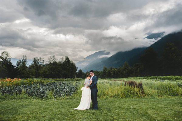 cozy-diy-british-columbia-wedding-in-shades-of-blue-bake-photography-15