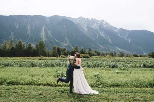 cozy-diy-british-columbia-wedding-in-shades-of-blue-bake-photography-22