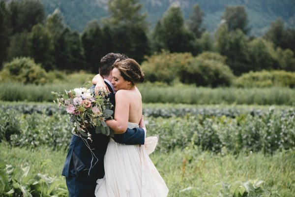 cozy-diy-british-columbia-wedding-in-shades-of-blue-bake-photography-23