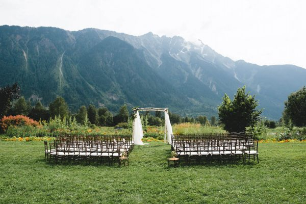 cozy-diy-british-columbia-wedding-in-shades-of-blue-bake-photography-39