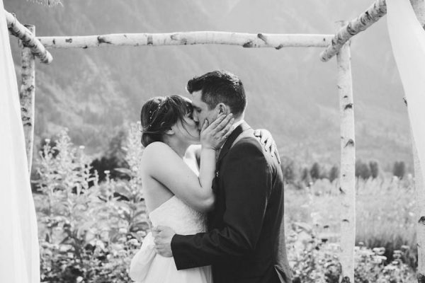 cozy-diy-british-columbia-wedding-in-shades-of-blue-bake-photography-44