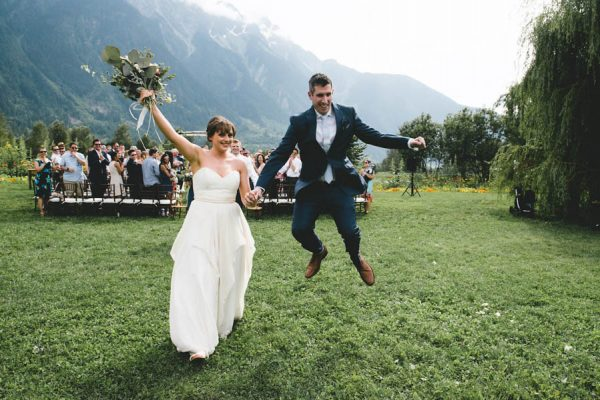 cozy-diy-british-columbia-wedding-in-shades-of-blue-bake-photography-45