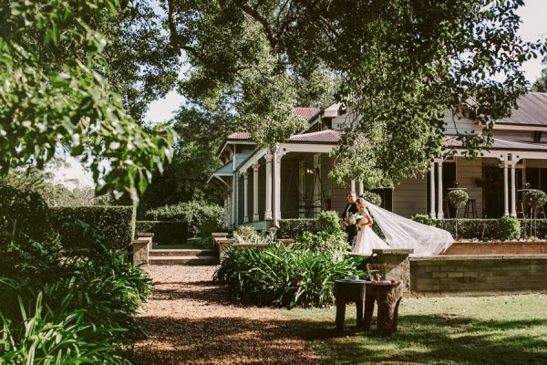 Elegant Green and White Queensland Wedding at Gabbinbar Homestead Edwina Robertson-10