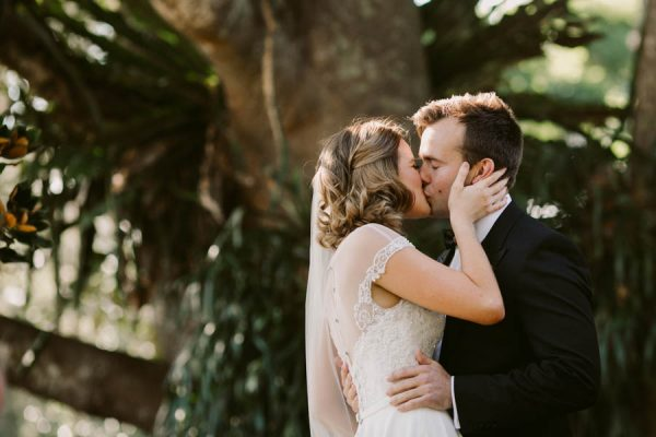 Elegant Green and White Queensland Wedding at Gabbinbar Homestead Edwina Robertson-33