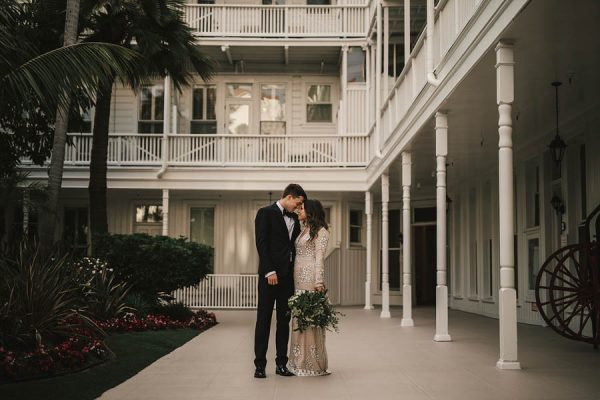 modern-classic-coronado-wedding-in-black-white-and-gold-brandi-potter-photography-17