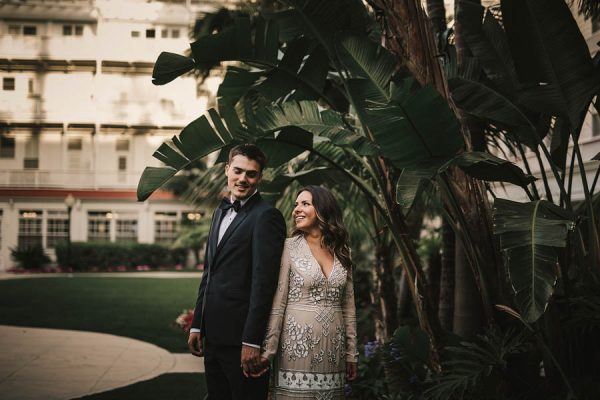 modern-classic-coronado-wedding-in-black-white-and-gold-brandi-potter-photography-23
