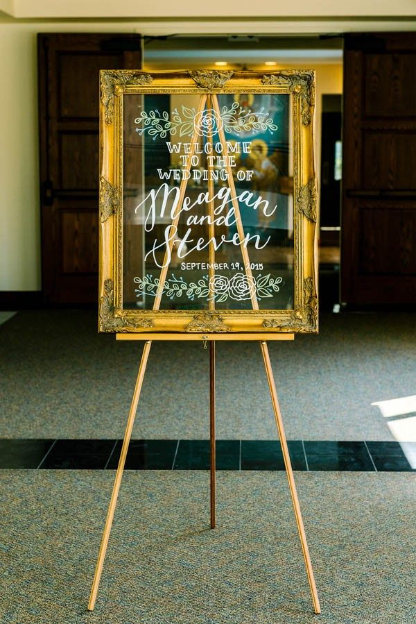 navy-gold-barn-wedding-denver-20-600x899