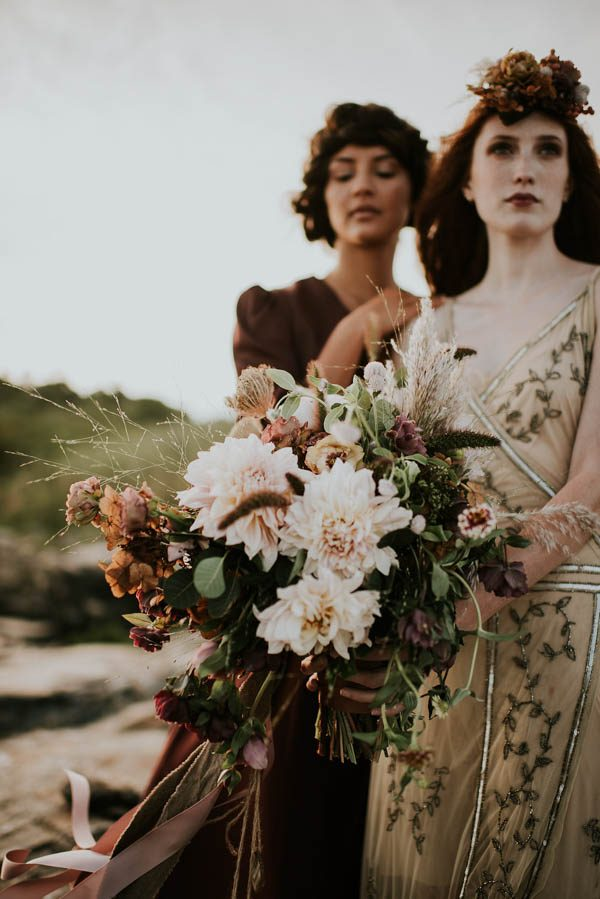 this-beachy-bridal-inspiration-has-a-moody-romantic-twist-allison-markova-photography-13