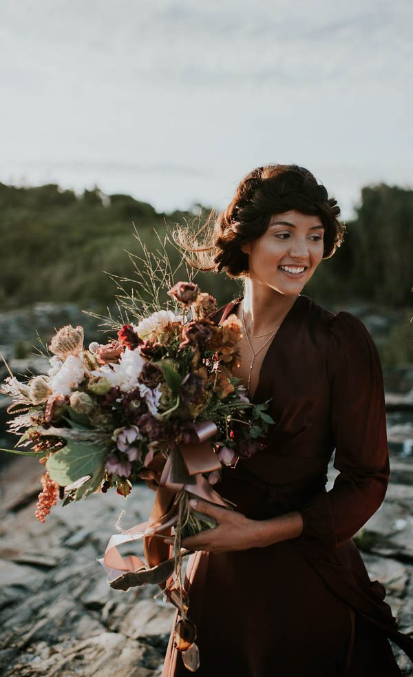 this-beachy-bridal-inspiration-has-a-moody-romantic-twist-allison-markova-photography-21