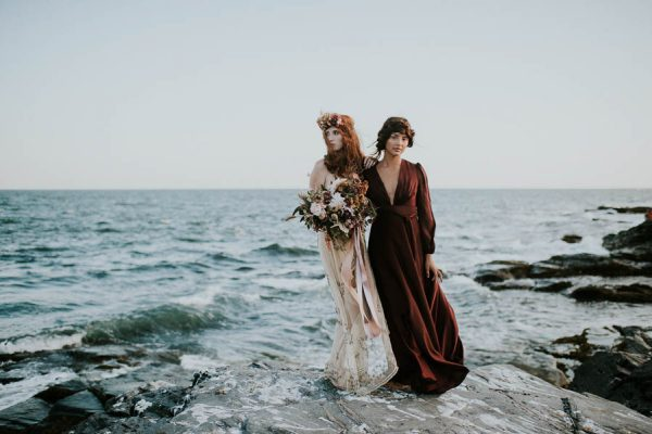 this-beachy-bridal-inspiration-has-a-moody-romantic-twist-allison-markova-photography-31