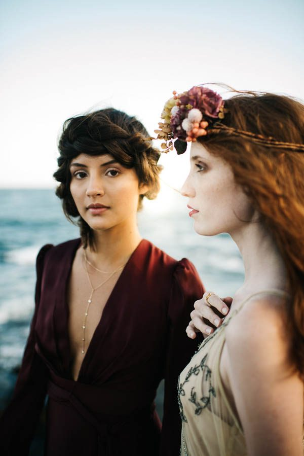 this-beachy-bridal-inspiration-has-a-moody-romantic-twist-allison-markova-photography-32