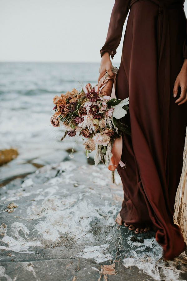 this-beachy-bridal-inspiration-has-a-moody-romantic-twist-allison-markova-photography-33