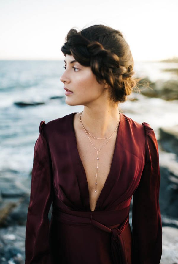 this-beachy-bridal-inspiration-has-a-moody-romantic-twist-allison-markova-photography-36