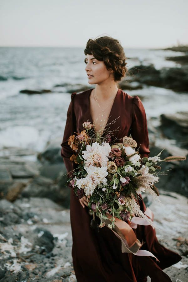 this-beachy-bridal-inspiration-has-a-moody-romantic-twist-allison-markova-photography-38