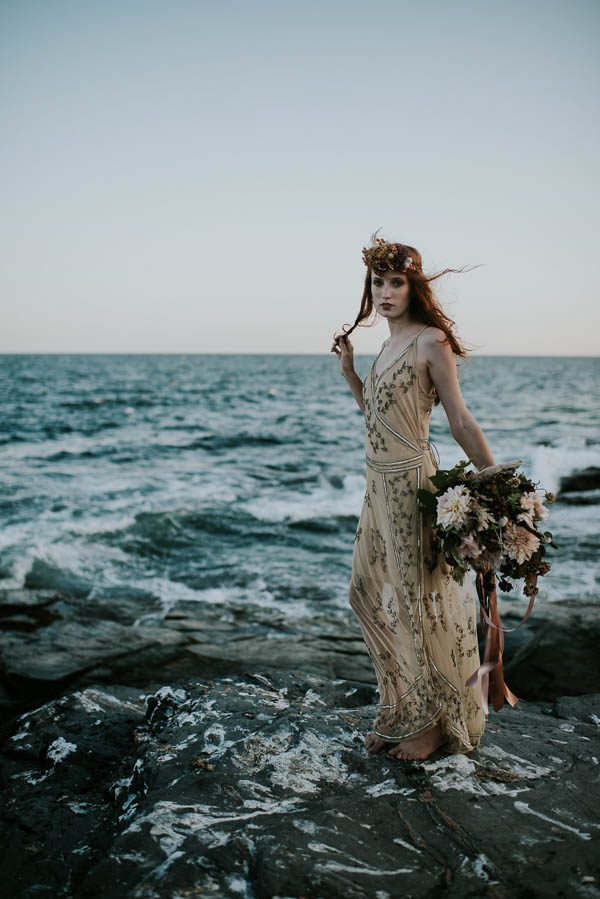this-beachy-bridal-inspiration-has-a-moody-romantic-twist-allison-markova-photography-39