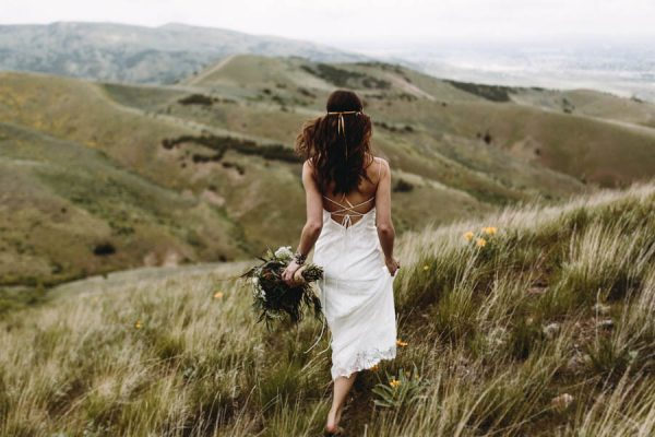 this-couple-took-a-romantic-mountain-hike-before-their-meridell-park-wedding-anni-graham-photography-27