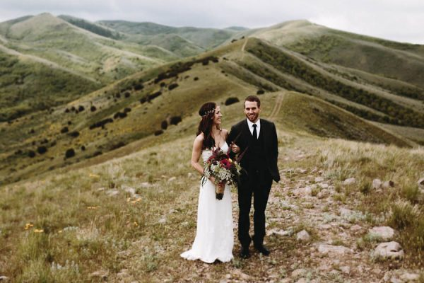 this-couple-took-a-romantic-mountain-hike-before-their-meridell-park-wedding-anni-graham-photography-32