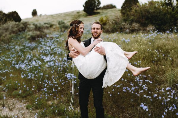 this-couple-took-a-romantic-mountain-hike-before-their-meridell-park-wedding-anni-graham-photography-9