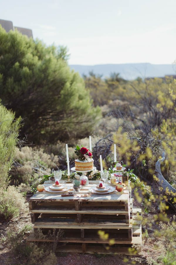 vintage-inspired-sedona-elopement-at-yavapai-point-overlooking-bell-rock-andy-roberts-photography-52