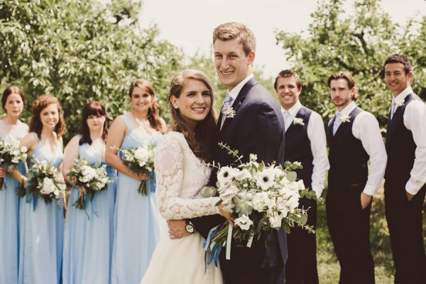 baby-blue-michigan-wedding-on-an-apple-orchard-10