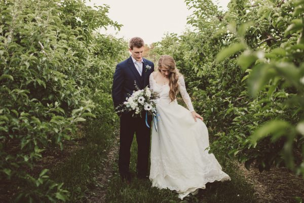 baby-blue-michigan-wedding-on-an-apple-orchard-35
