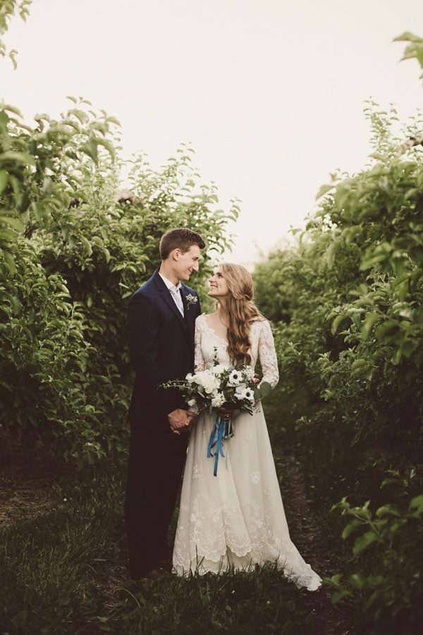 baby-blue-michigan-wedding-on-an-apple-orchard-38